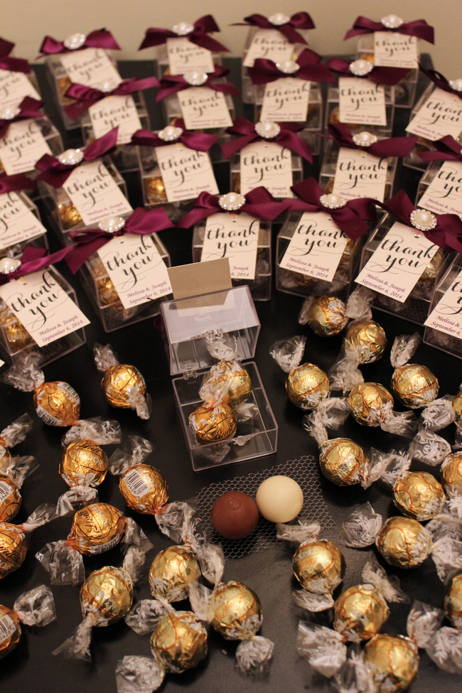 sweet and dreamy chocolate wedding favors for your guests