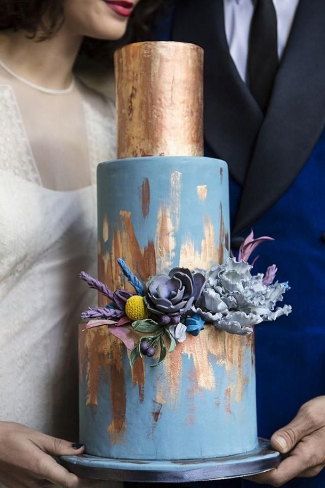 most beatiful blue and gold metallic for your big day in autumn