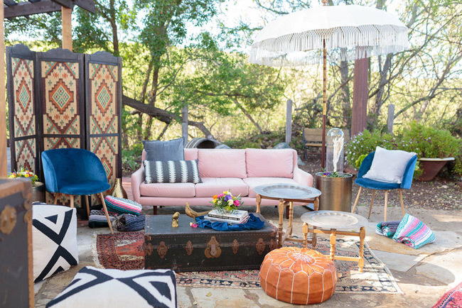small intimate wedding ideas with lounge area