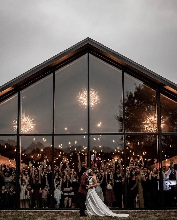 small intimate wedding ideas with standing room only