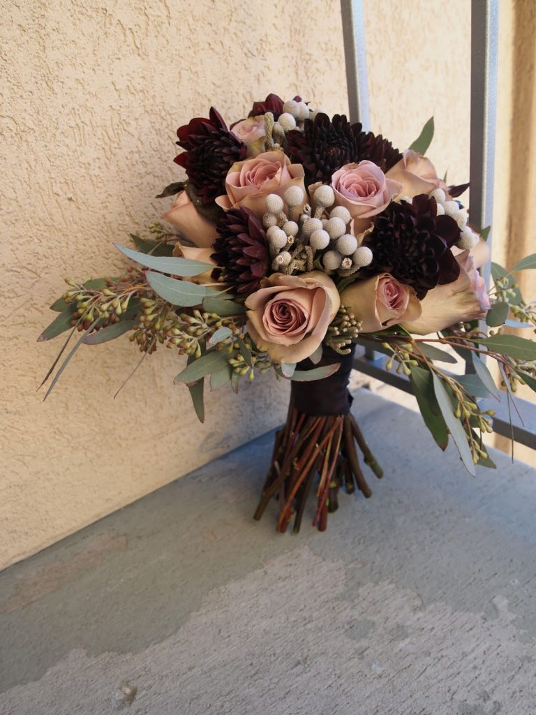 burgundy and dusty rose fall wedding bouquets