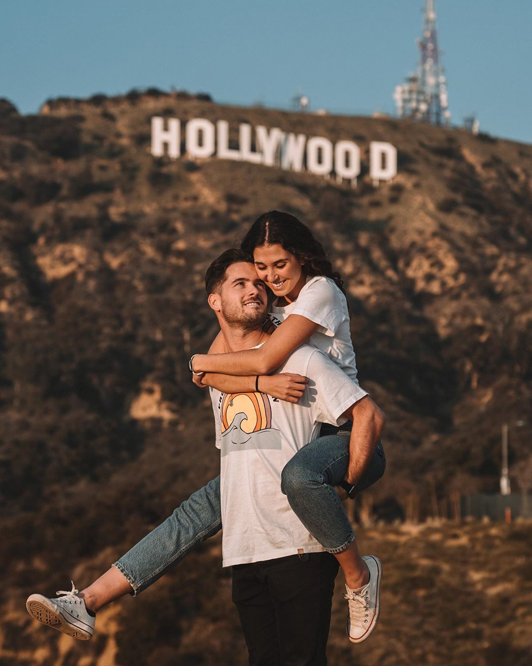 choosing holywood at on e of your honeymoon destination and get inpiration photos