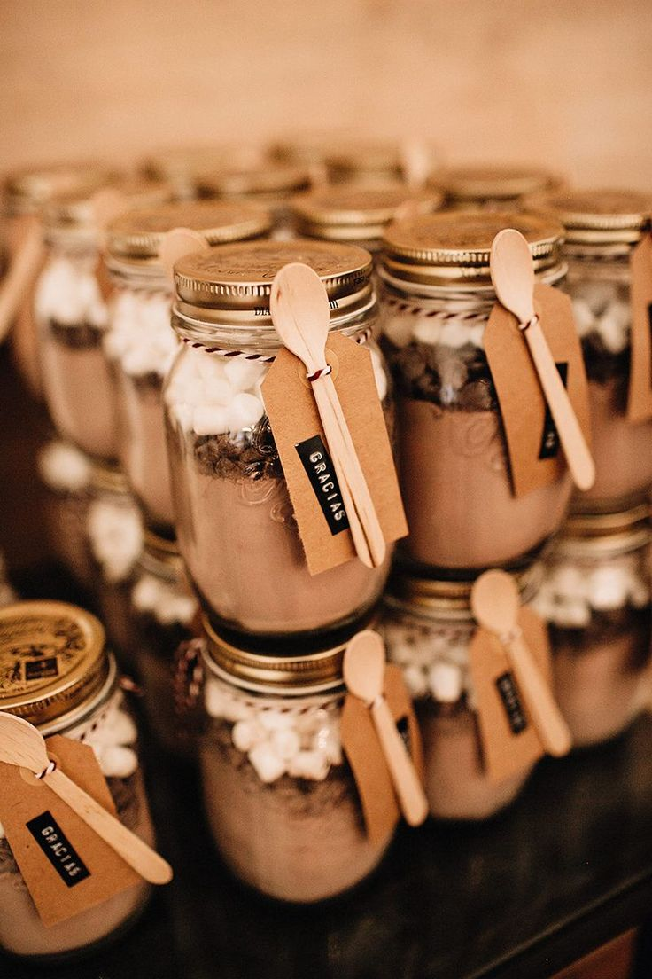 diy mason jar hot chocolate wedding favors