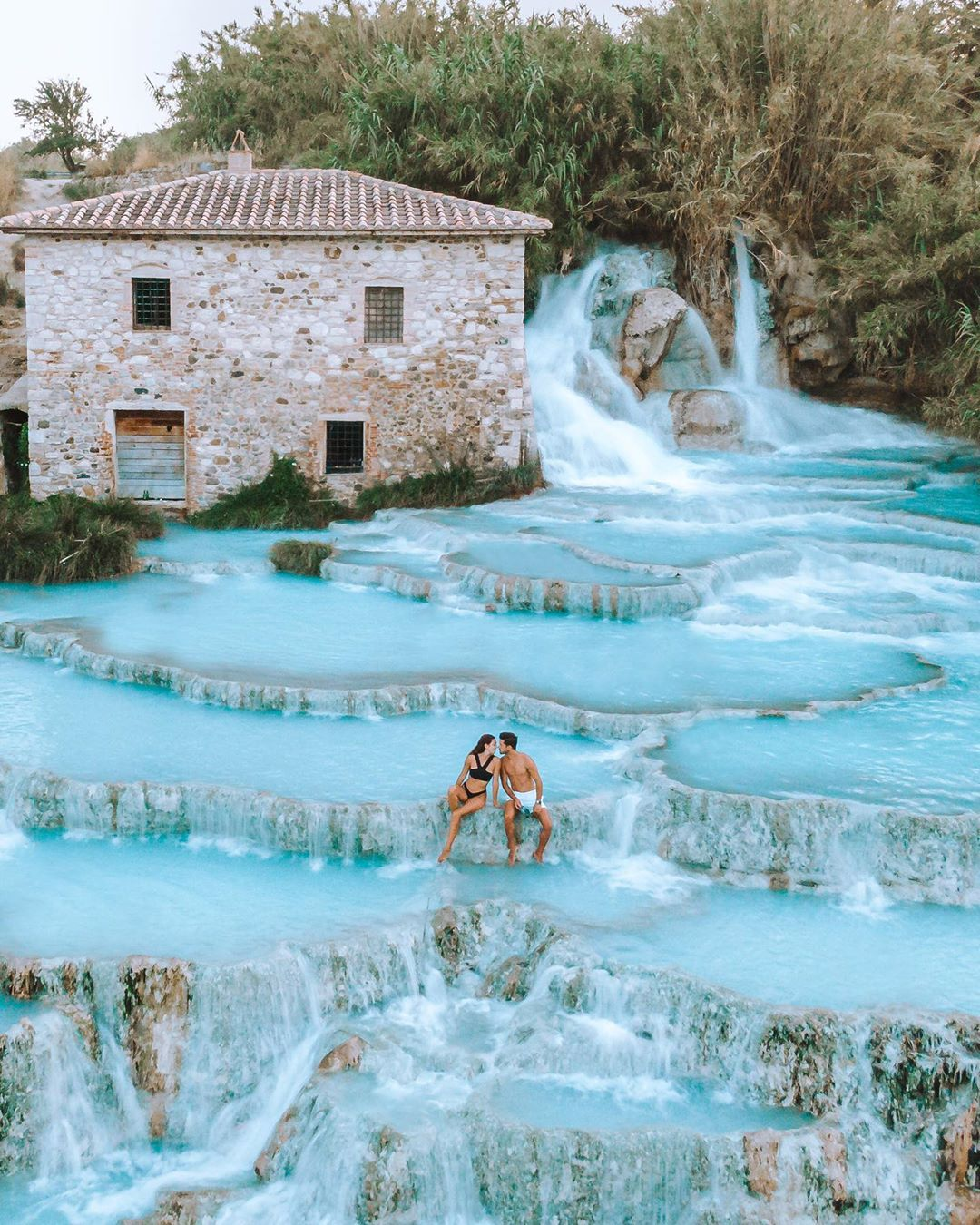 have a honeymoon photos at spa in the montian