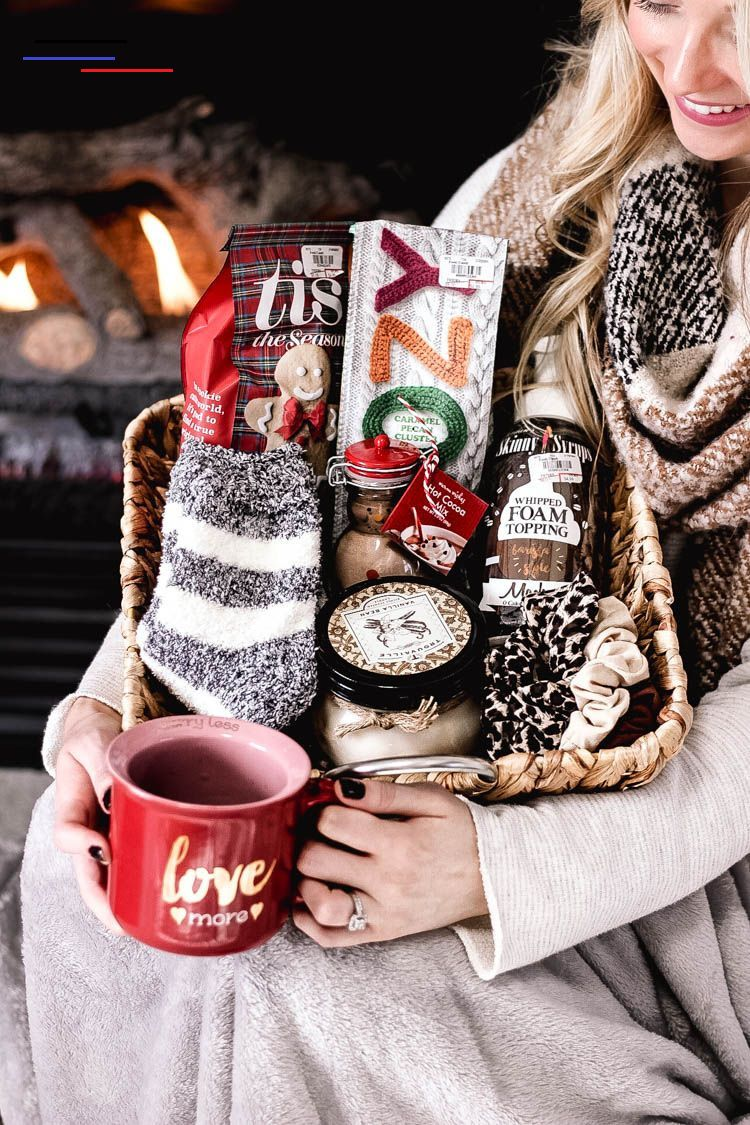 hot christmas basket wedding favor ideas
