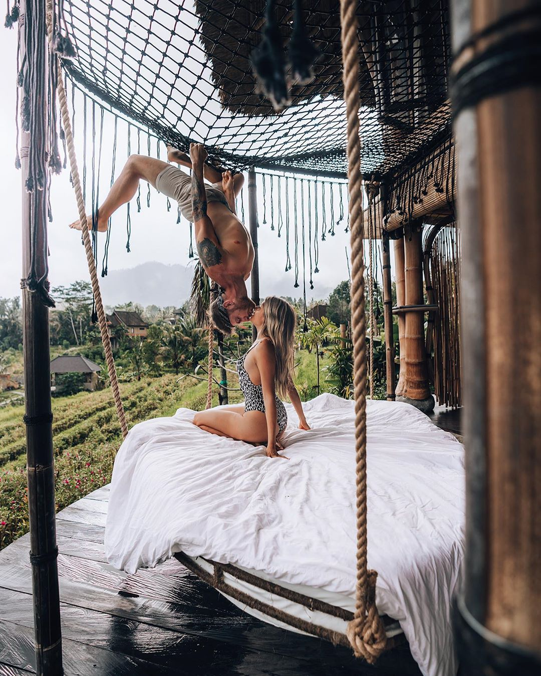 inspire and sweet honeymoon kiss at the rainforest hotel