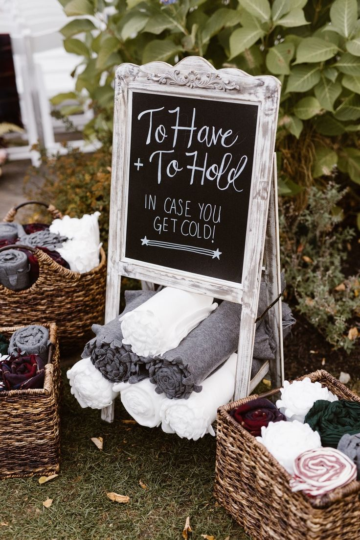 winter wedding favor display ideas
