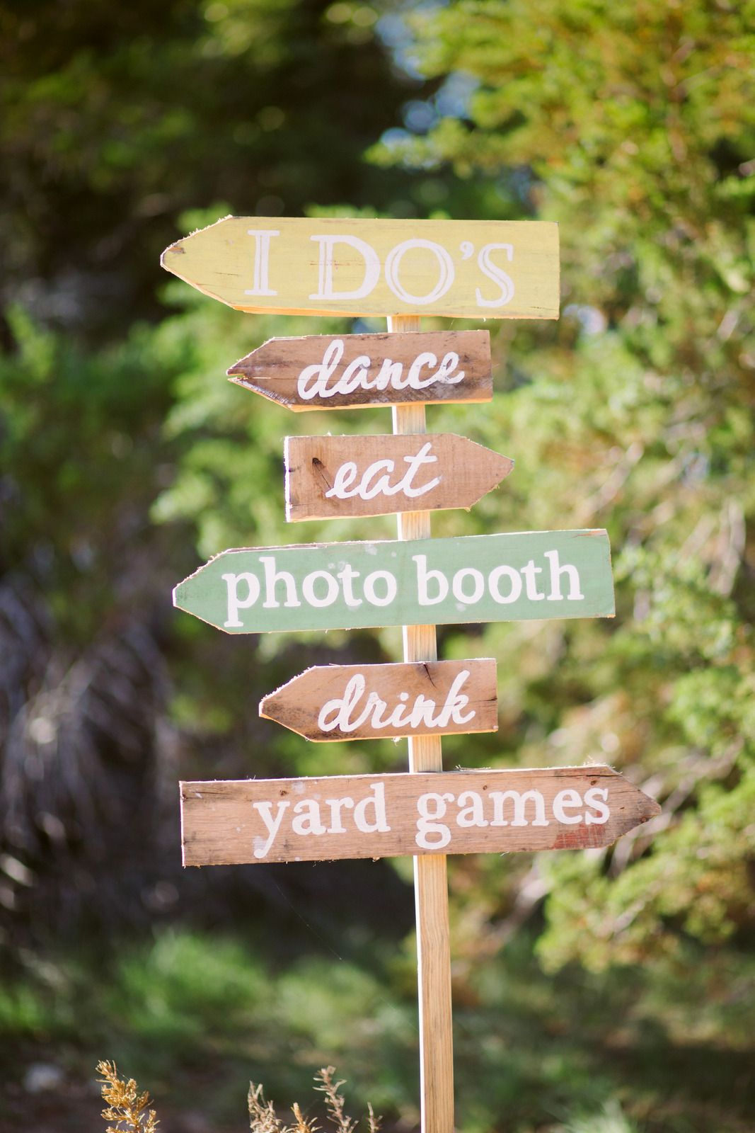 diy personalized wedding direction signs