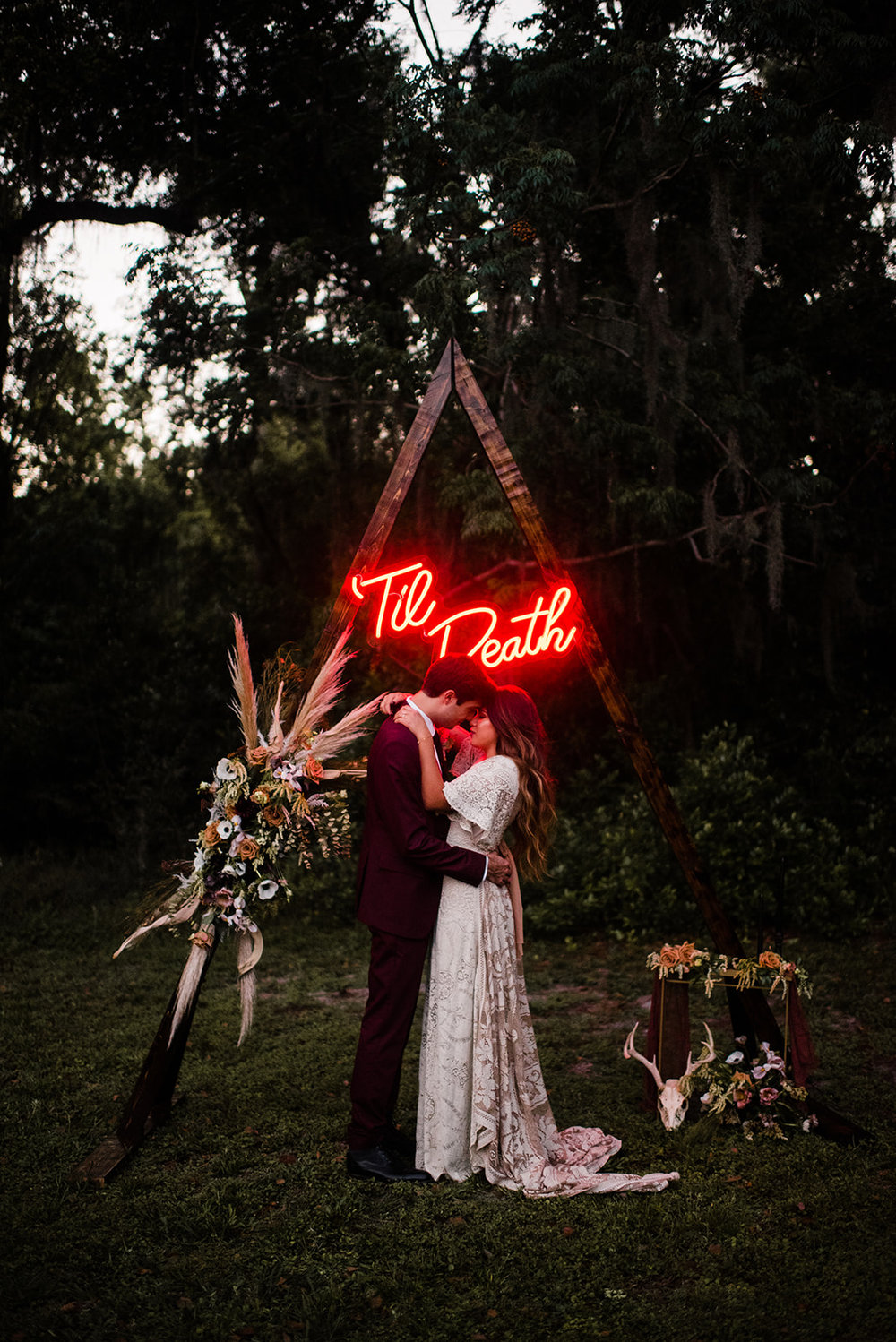 halloween inspired boho wedding ideas