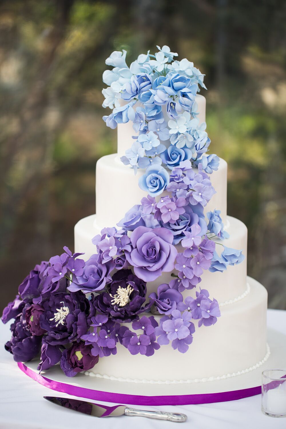 ombre blue and purple wedding cake for unique wedding ideas