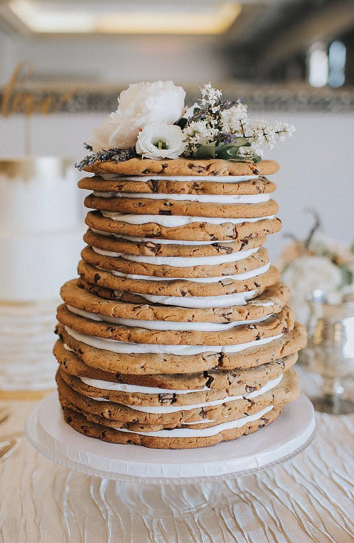 simple chocolate chip cookie wedding cake