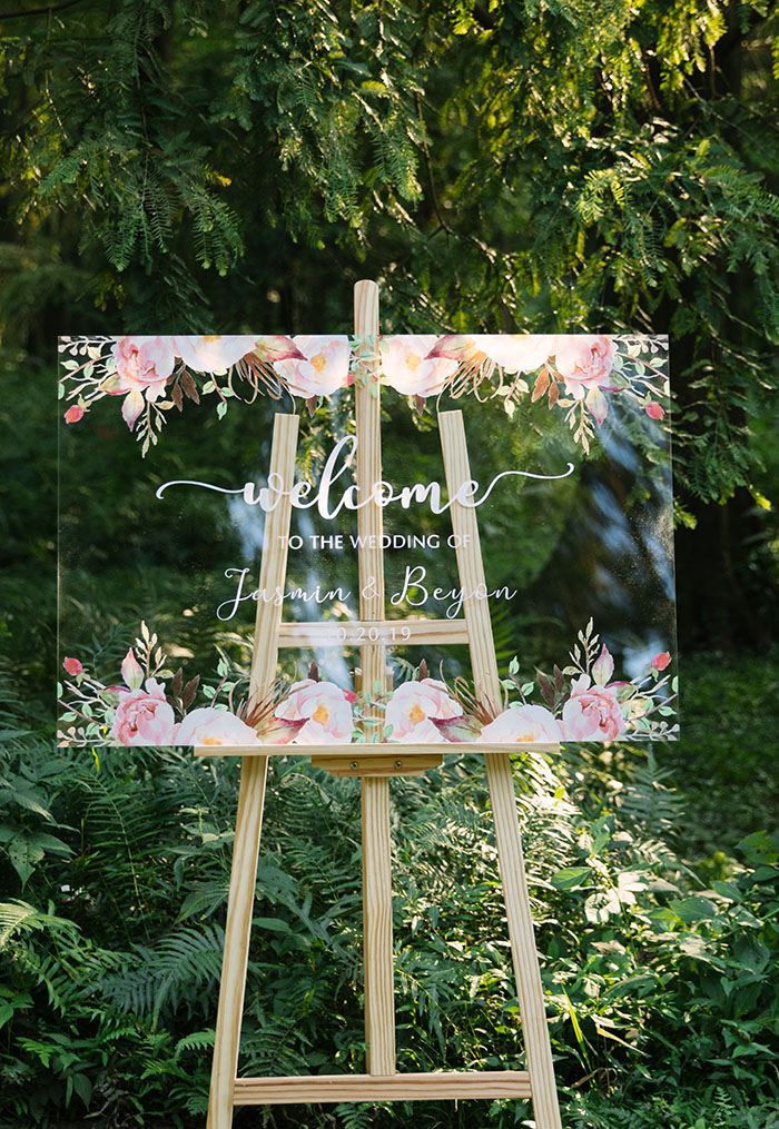 spring and summer pink flowers acryluc wedding signs