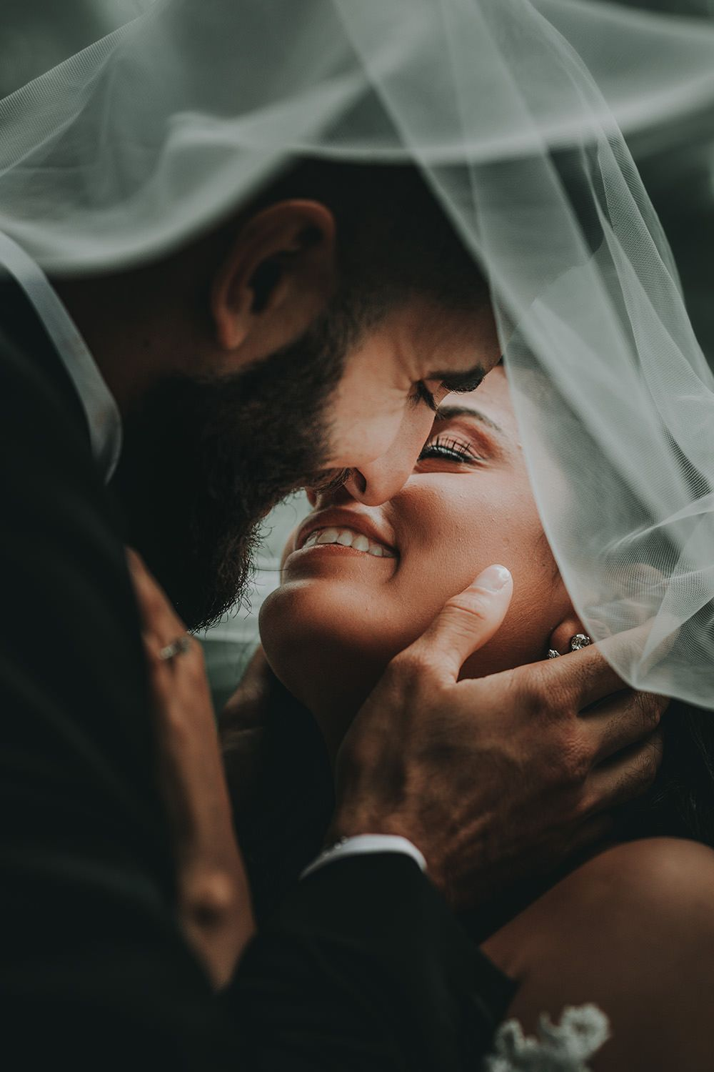 sweet and romantic bride and groom wedding photoes