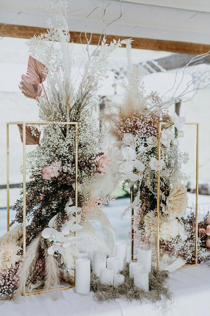 unqiue modern boho wedding decoration with dry flowers