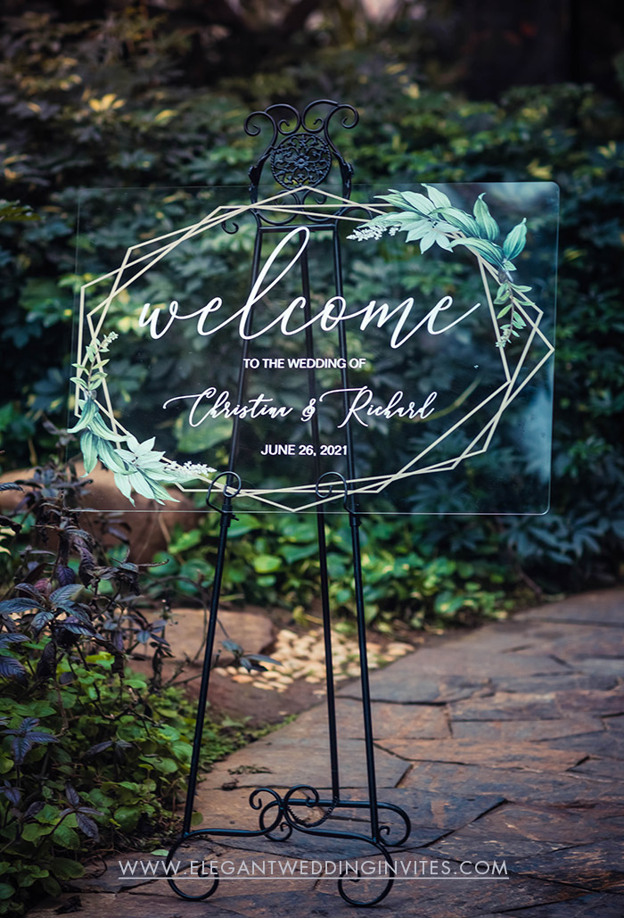 geometric greenery acrylic wedding welcome sign for a emerald green and white wedding