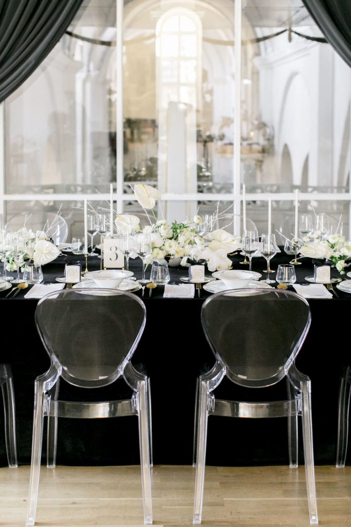 acrylic and lucite wedding chair ideas for modern black and white wedding