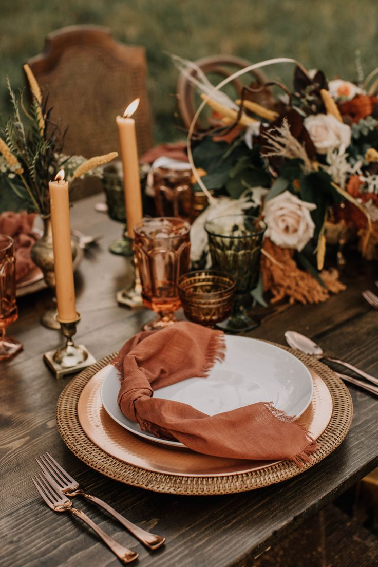 stylish fall wedding table setting in earthy warm copper terra cotta and mossy green mcolors