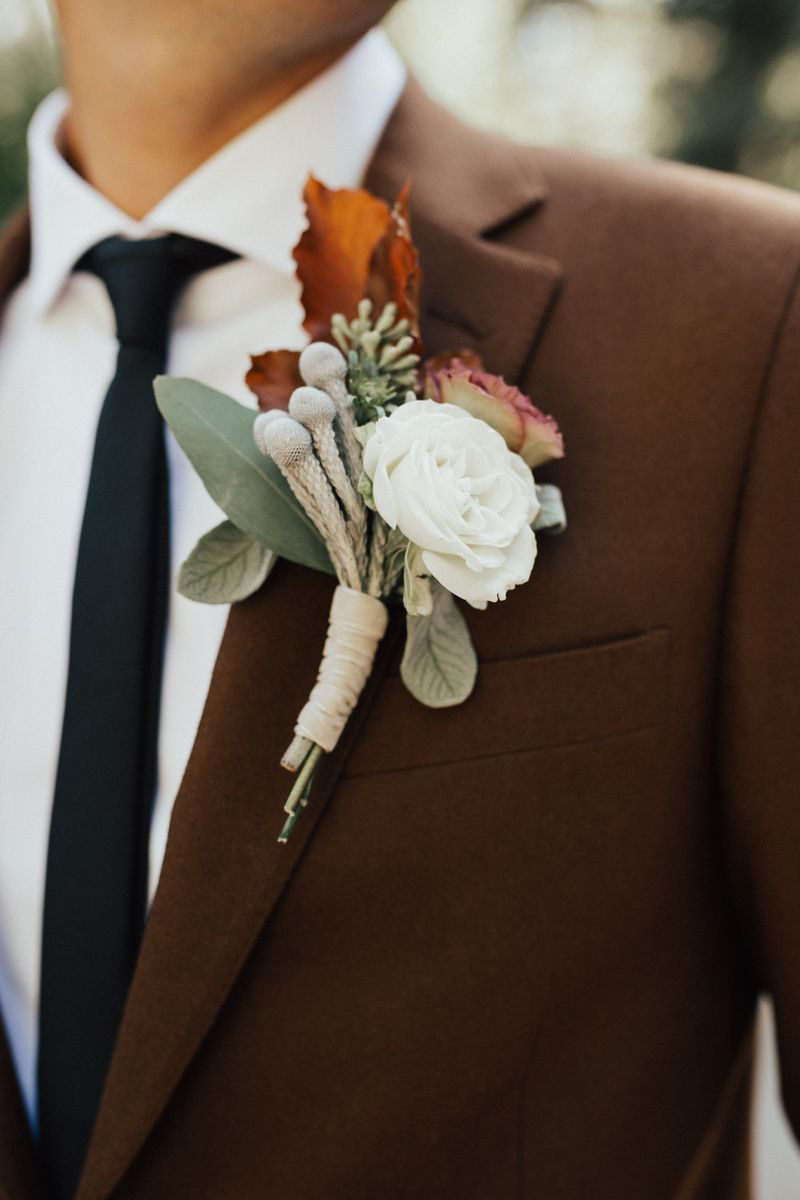 perfect groom boutonnieres for fall wedding ideas